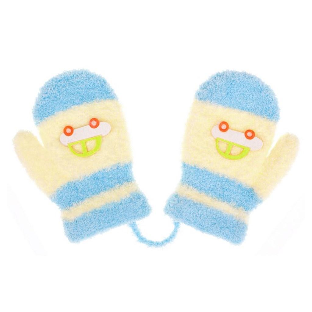 Detské rukavičky New Baby s autom svetlo modro-modré