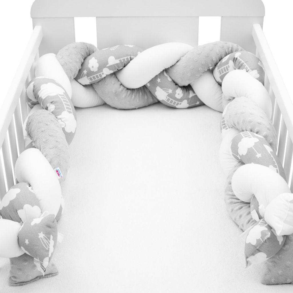 Ochranný mantinel do postieľky vrkoč New Baby Minka a Obláčik sivý