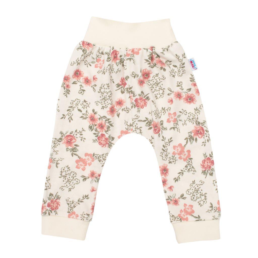 Dojčenské tepláčky New Baby Flowers béžové