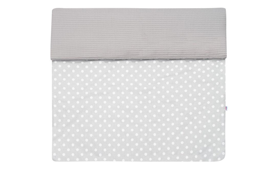 Detská deka s výplňou New Baby Vafle sivá biele bodky 80x102 cm