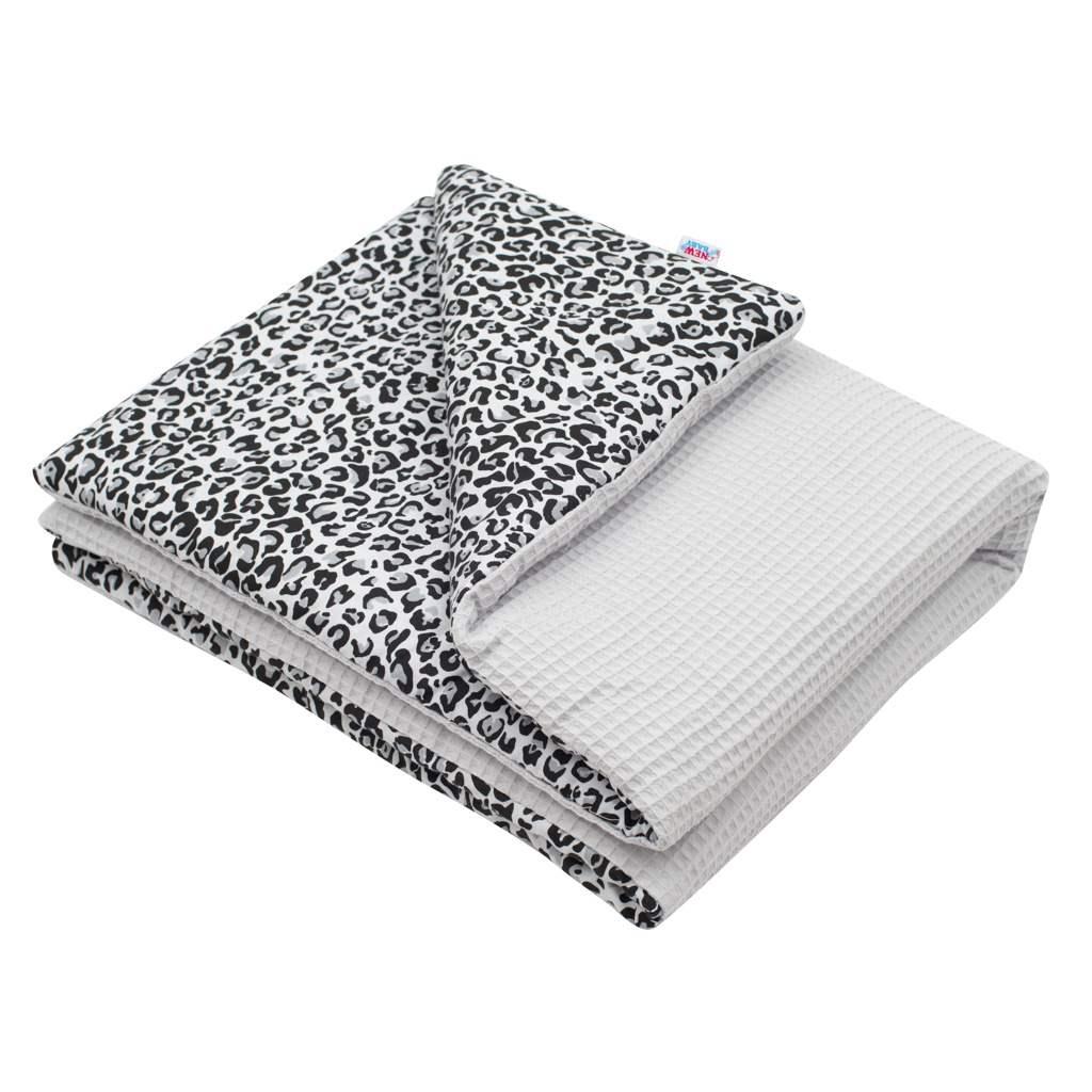 Detská deka s výplňou New Baby Vafle sivá leopard 80x102 cm